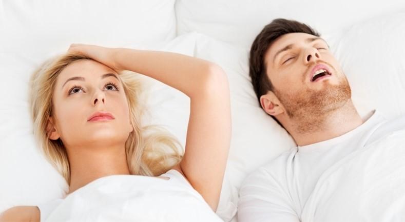 Ροχαλητό Άπνοια στον Ύπνο